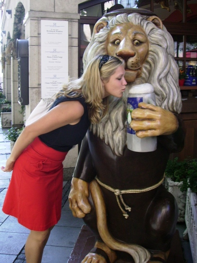 A Munich visit isn't complete without a stop at Hofbräuhaus!