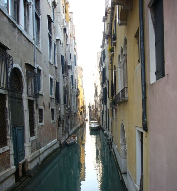 One of many Venice alleyways.